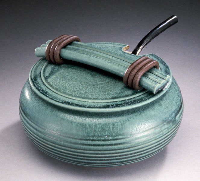 soup tureen, 6.25 x 10 x 10 Laura's Turquoise